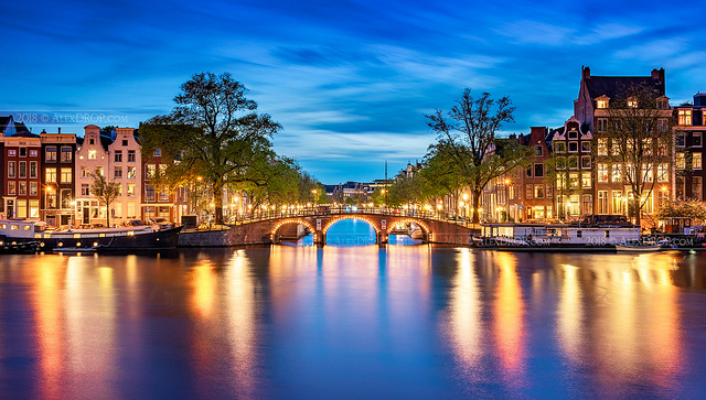 DSC0353-Amsterdam-blue-hour-magic-by-Alex-DROP